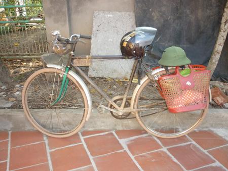 601061-mu-bao-hiem-cho-yen-xe-dap-1.jpg